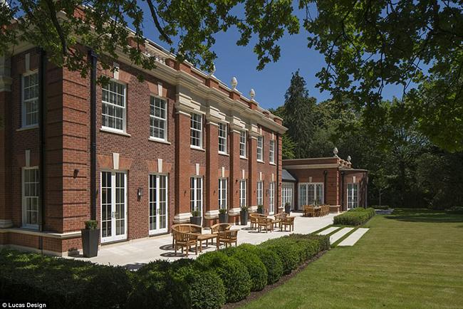 Lóa mắt với nội thất sang chảnh như hoàng gia trong căn biệt thự đắt nhất nhì nước Anh-2