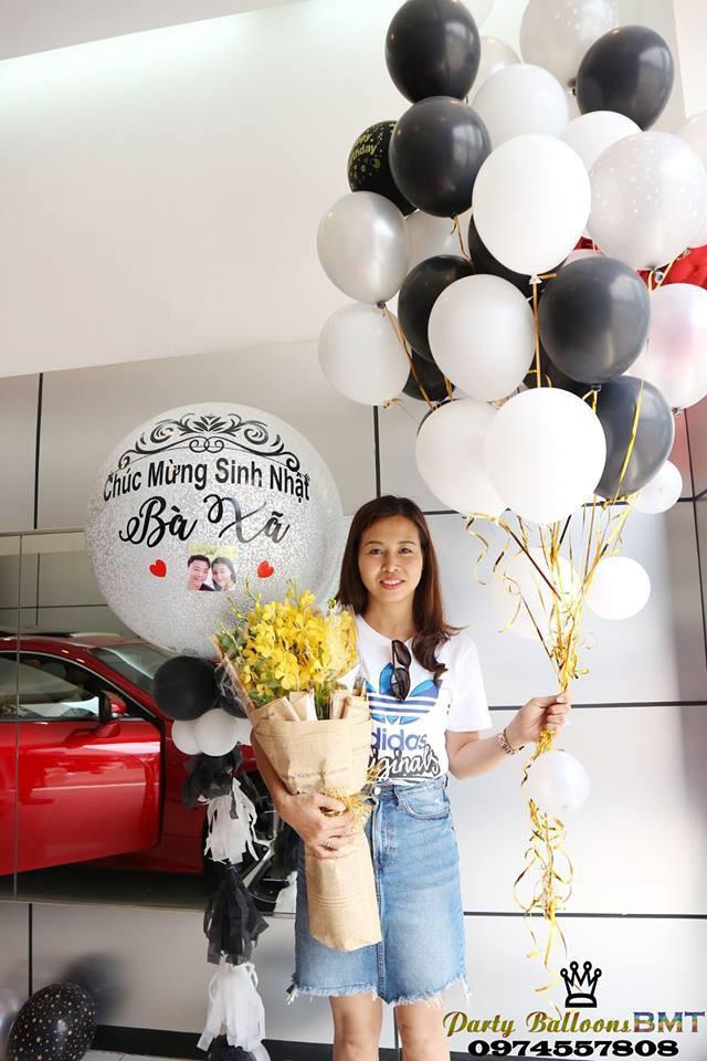 Tặng vợ xe hơi Lexus nhân ngày sinh nhật, đã thế còn trang trí bóng bay lãng mạn khiến nhiều người ngưỡng mộ-3
