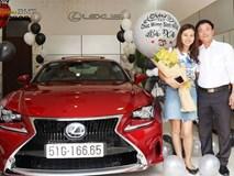 Tặng vợ xe hơi Lexus nhân ngày sinh nhật, đã thế còn trang trí bóng bay lãng mạn khiến nhiều người ngưỡng mộ