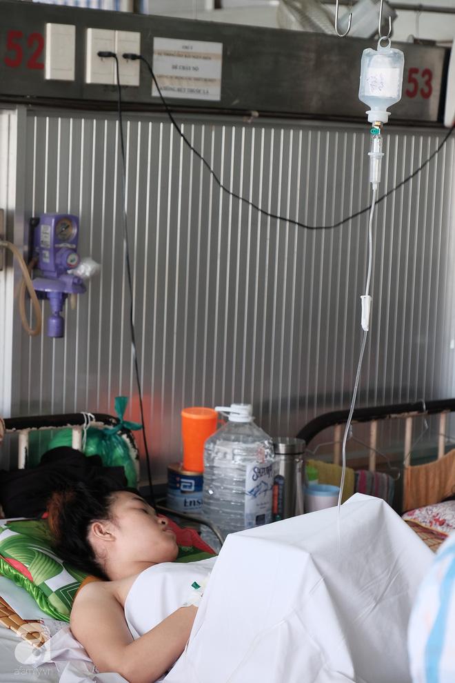 Mới sinh được hai tháng, mẹ trẻ 18 tuổi mất chồng, mất luôn chân vì bị container cán qua người-2