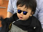 Mỹ nhân Việt lộ ngực trần khi cho con bú, có người vén áo ngay trong thang máy-11