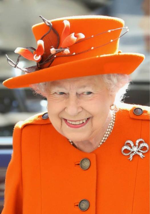 """Ngoài chuyện không được để đầu bù tóc rối, phụ nữ trong hoàng gia Anh còn phải tuân theo 12 quy tắc bất di bất dịch"""" sau-8"""