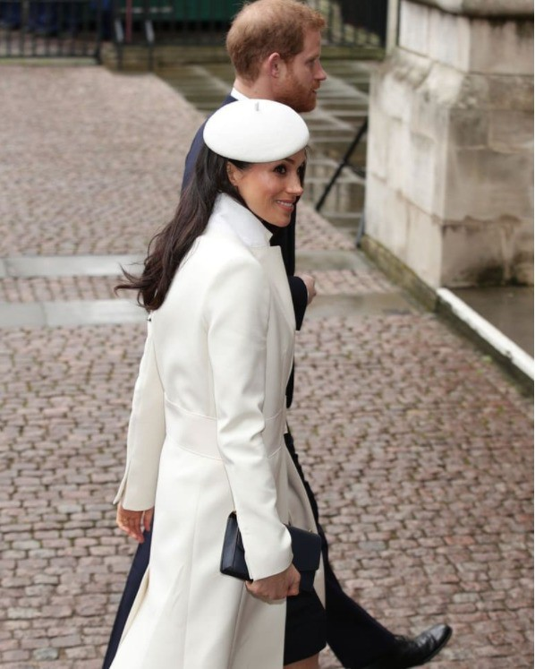 """Ngoài chuyện không được để đầu bù tóc rối, phụ nữ trong hoàng gia Anh còn phải tuân theo 12 quy tắc bất di bất dịch"""" sau-9"""
