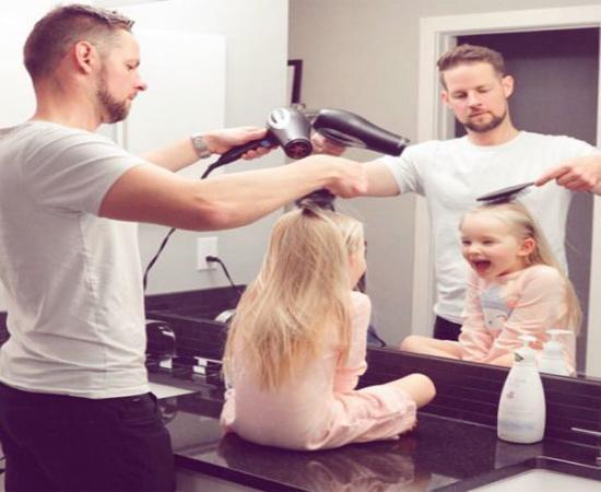 2018 rồi, chụp ảnh gia đình phải như thế này mới chất-17