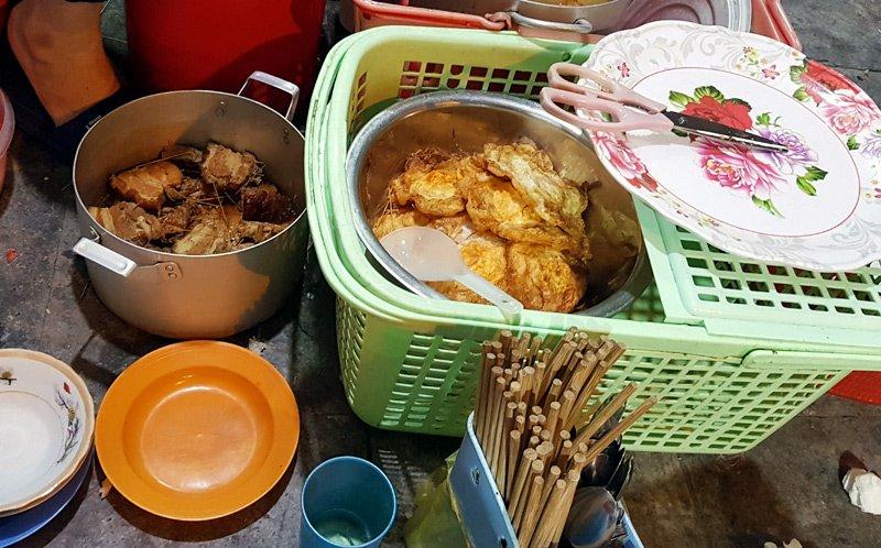 Hàng xôi nức tiếng phố cổ: Bán 3 tiếng ban đêm, ăn phải xếp hàng chờ-4