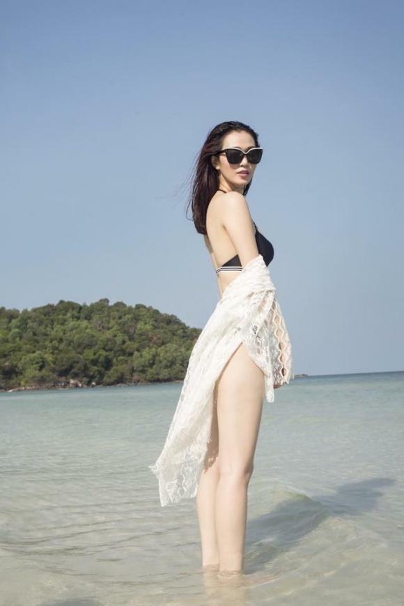 Khánh My gợi cảm khi diện bikini khoe dáng thon trên bãi biển-2
