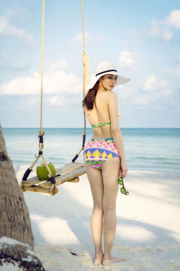 Khánh My gợi cảm khi diện bikini khoe dáng thon trên bãi biển-6