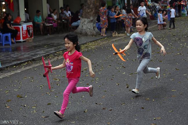 Các khu vui chơi ở Thủ đô đông nghịt người dịp nghỉ lễ-11
