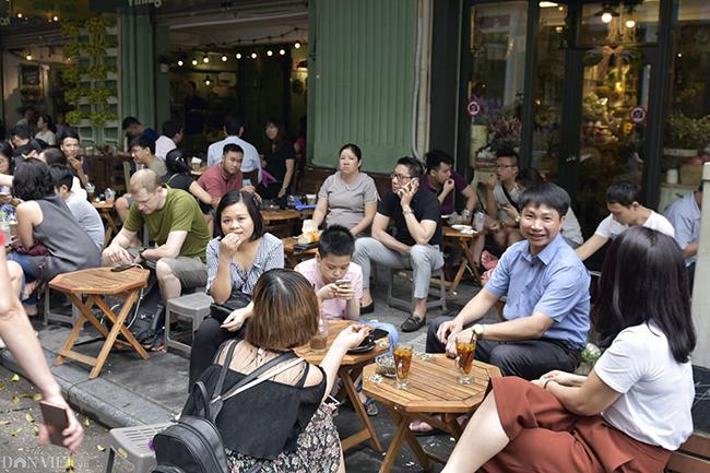 Các khu vui chơi ở Thủ đô đông nghịt người dịp nghỉ lễ-9