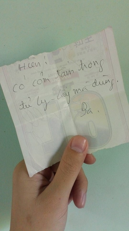 Điện thoại có xịn xò bao nhiêu chăng nữa thì bố mẹ vẫn cứ thích viết giấy dặn dò con cái thế này đây!-3