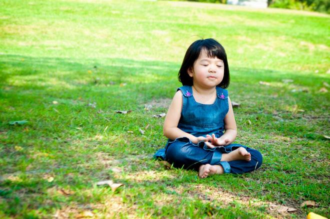 Bằng những cách đơn giản này, bố mẹ sẽ nhanh chóng giúp con hết căng thẳng, lo âu-2