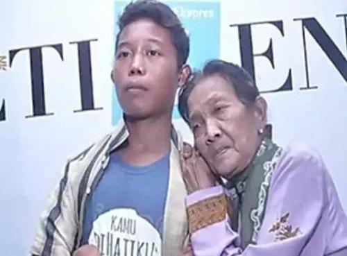 Thấy vợ 71 tuổi quá quyến rũ, sợ bị cướp, chồng 16 tuổi đã làm điều không tưởng-2