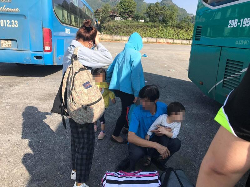 Du khách đi Sapa cầu cứu giúp về Hà Nội vì tour bỏ rơi-1