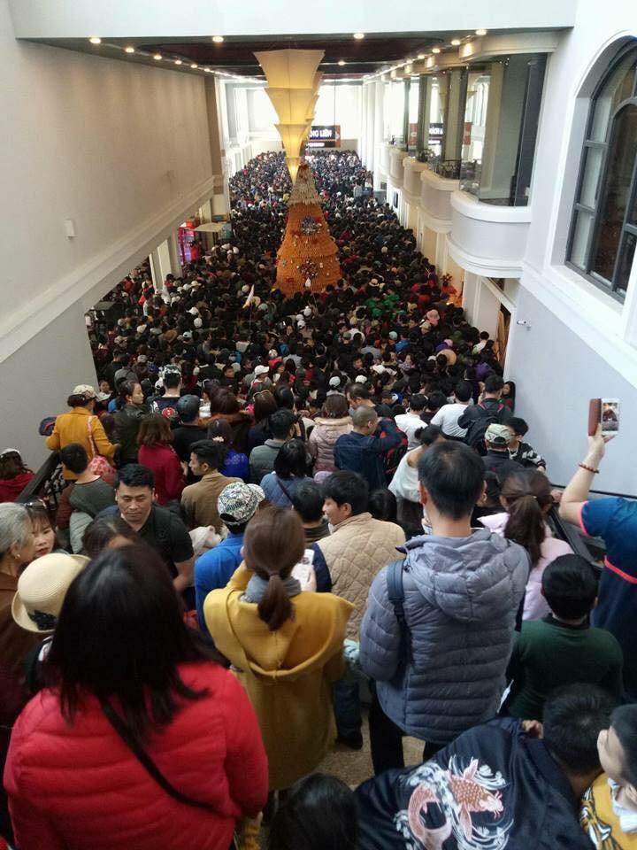 Du khách đi Sapa cầu cứu giúp về Hà Nội vì tour bỏ rơi-5