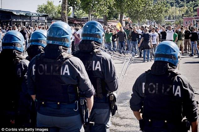 1.200 cảnh sát Rome túc trực cho trận tiếp đón Liverpool-1