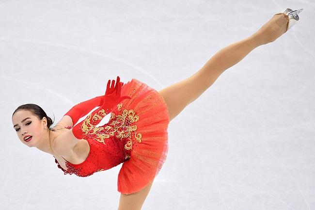 Thuốc chữa hớ hênh cho đồ diễn siêu ngắn của VĐV trượt băng-3