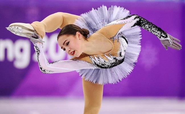 Thuốc chữa hớ hênh cho đồ diễn siêu ngắn của VĐV trượt băng-2