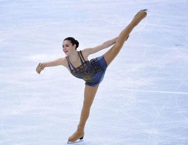 Thuốc chữa hớ hênh cho đồ diễn siêu ngắn của VĐV trượt băng-17