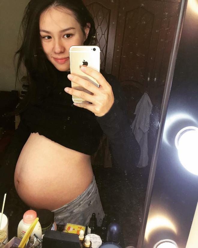 Hạnh phúc ngọt ngào của mẹ trẻ xinh như hot girl, từ bỏ công việc tốt để ở nhà chăm sóc chồng con-4