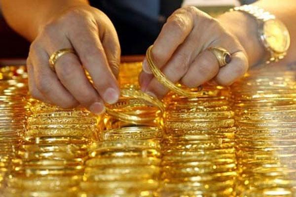 Giá vàng hôm nay 3/5: Vàng chao đảo trước ngưỡng nhạy cảm-1