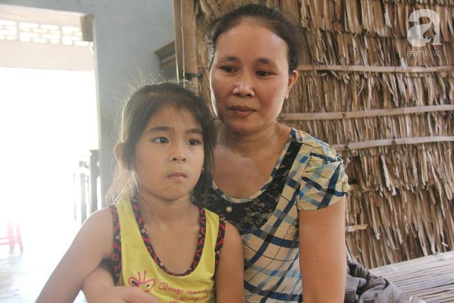 Bố bỏ đi vì mẹ sinh nhầm con gái, đứa trẻ 6 tuổi phải nghỉ học vì mẹ tật nguyền, ông ngoại nhập viện không có tiền chạy chữa-3