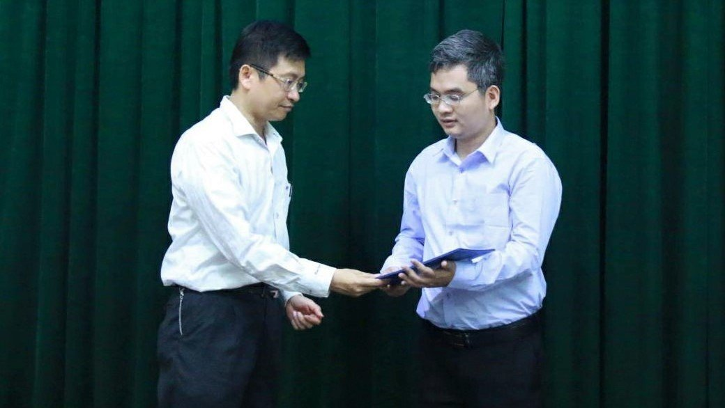 Gặp giáo sư 36 tuổi trẻ nhất Việt Nam-3
