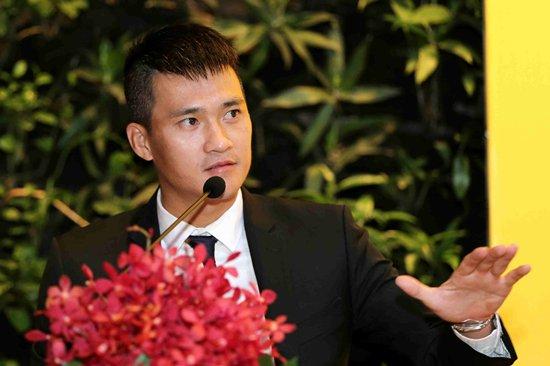 Thuỷ Tiên mặc cây hàng hiệu hơn 1 tỷ sánh đôi Công Vinh-8