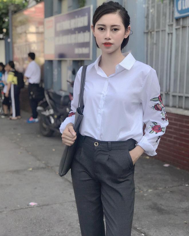 Dân tình đối đầu khi xem clip cô gái Việt vô tư chỉnh áo ngực trước cửa kính ô tô hút 10 triệu view-7