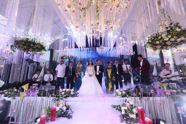 Những đám cưới của hot teen Việt gây chú ý không kém sao hạng A-1