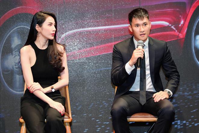 Thủy Tiên lên tiếng về việc Công Vinh từ chức ở CLB TP.HCM-1