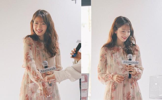 Cơn sốt của chiếc váy hoa quốc dân: Đến cả Song Hye Kyo cũng chọn mặc để đóng quảng cáo đây này!-8