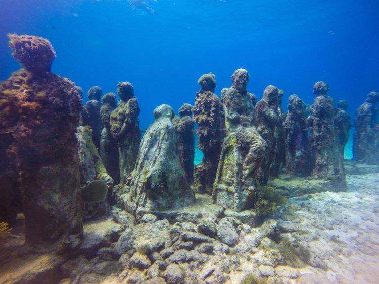 Những địa điểm du lịch kỳ dị nhất trên Trái đất-3