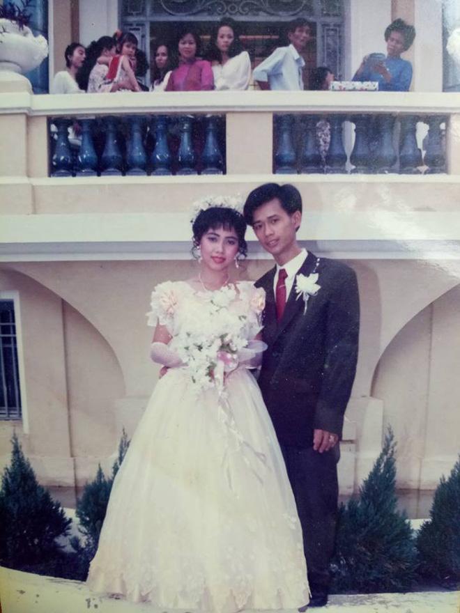 Dân tình lại đồng loạt khoe ảnh cưới của bố mẹ ngày xưa, giản dị mà đầy ắp kỷ niệm-2