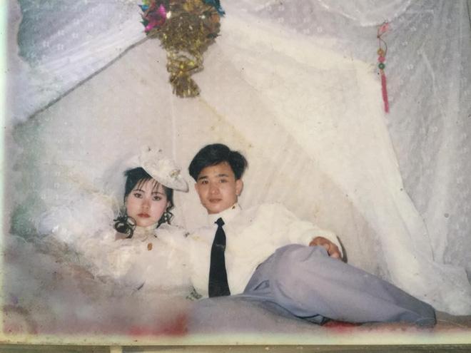 Dân tình lại đồng loạt khoe ảnh cưới của bố mẹ ngày xưa, giản dị mà đầy ắp kỷ niệm-4