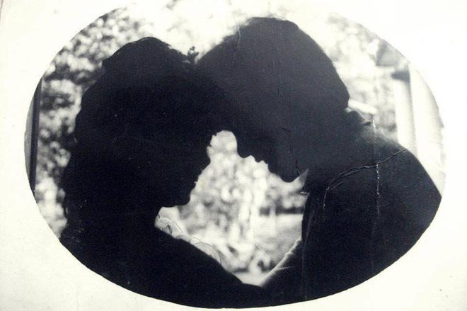 Dân tình lại đồng loạt khoe ảnh cưới của bố mẹ ngày xưa, giản dị mà đầy ắp kỷ niệm-6