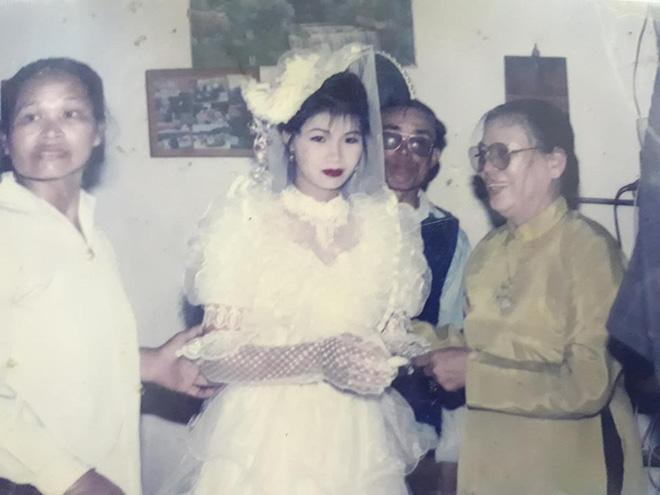 Dân tình lại đồng loạt khoe ảnh cưới của bố mẹ ngày xưa, giản dị mà đầy ắp kỷ niệm-7