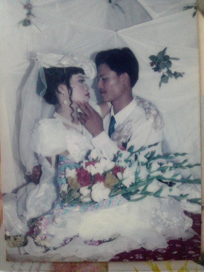 Dân tình lại đồng loạt khoe ảnh cưới của bố mẹ ngày xưa, giản dị mà đầy ắp kỷ niệm-10
