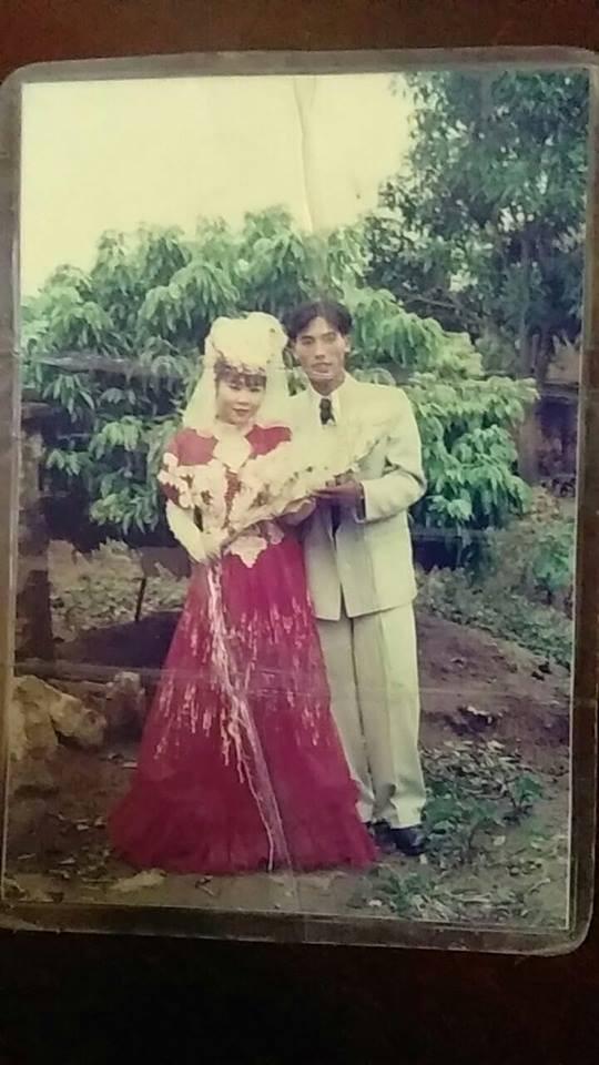 Dân tình lại đồng loạt khoe ảnh cưới của bố mẹ ngày xưa, giản dị mà đầy ắp kỷ niệm-12