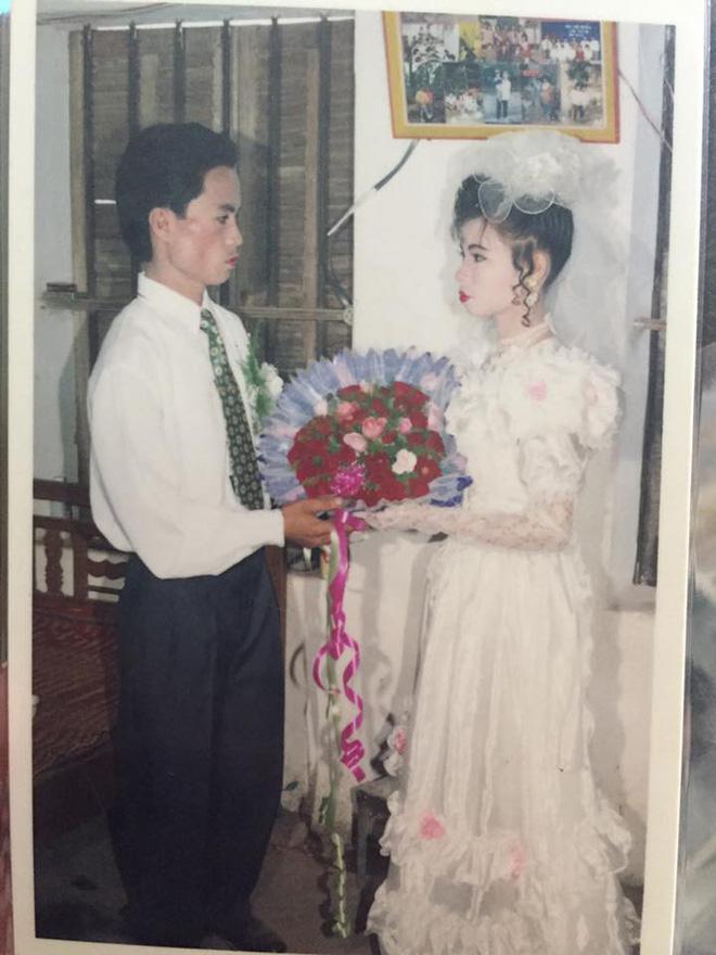Dân tình lại đồng loạt khoe ảnh cưới của bố mẹ ngày xưa, giản dị mà đầy ắp kỷ niệm-24