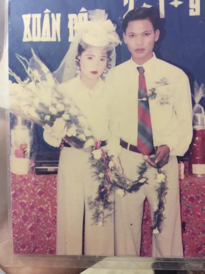 Dân tình lại đồng loạt khoe ảnh cưới của bố mẹ ngày xưa, giản dị mà đầy ắp kỷ niệm-14
