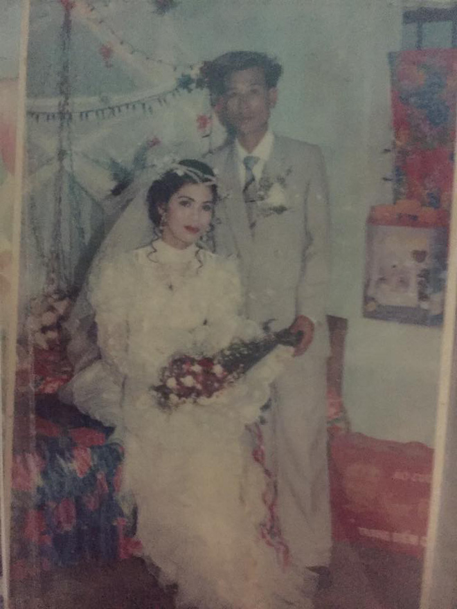 Dân tình lại đồng loạt khoe ảnh cưới của bố mẹ ngày xưa, giản dị mà đầy ắp kỷ niệm-22