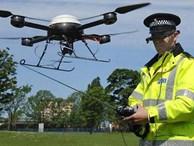 Tội phạm dùng cả dàn drone tấn công nhân viên FBI