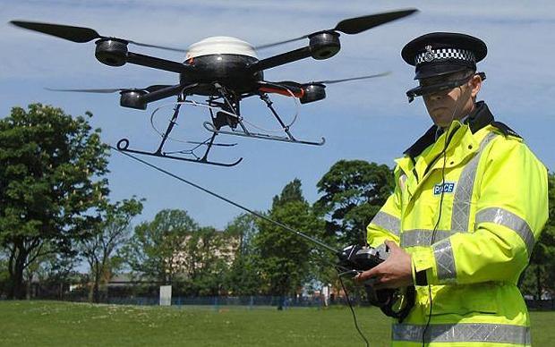 Tội phạm dùng cả dàn drone tấn công nhân viên FBI-2