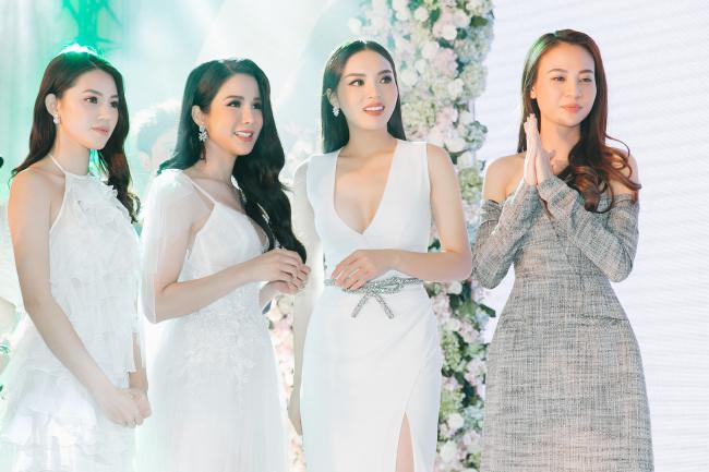 Cường Đô la công khai hôn Đàm Thu Trang trước trăm ánh mắt-8