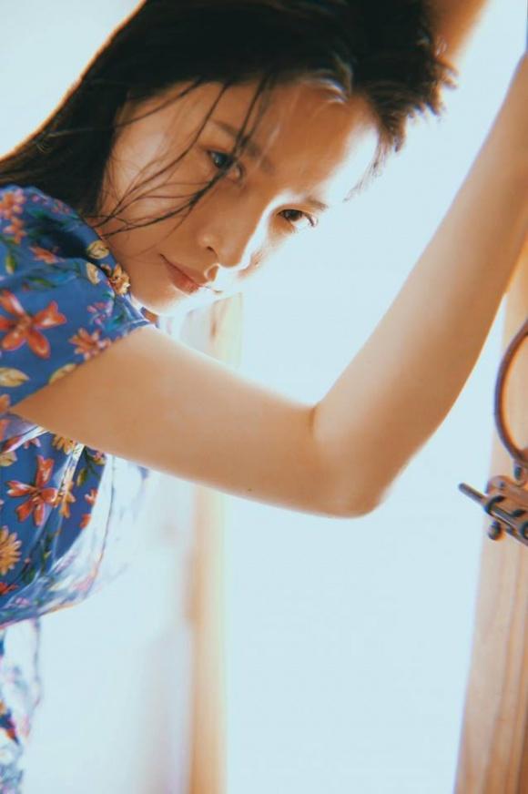 Chi Pu khoe nét đẹp tinh khôi tựa sương mai trong bộ ảnh mới-10