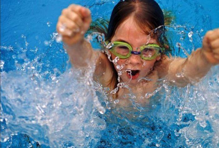 Đủ loại bệnh tiềm ẩn khi bơi lội ở nơi công cộng-1