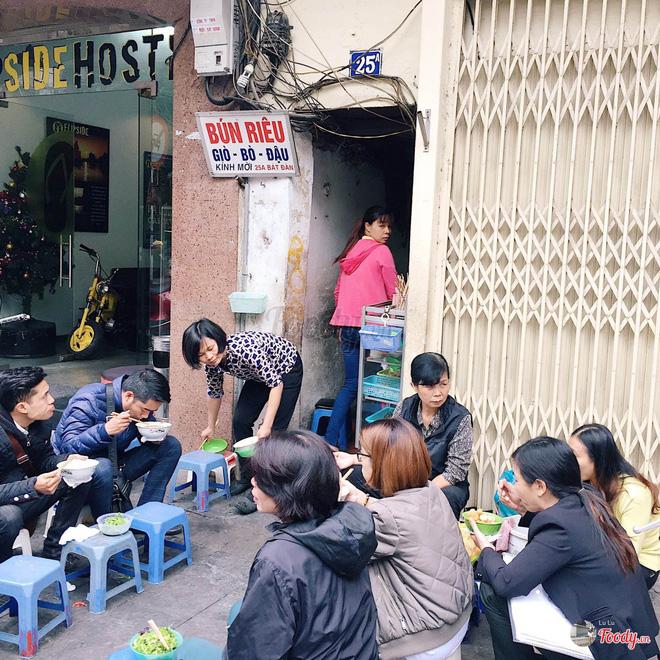 3 quán bún riêu truyền thống cực ngon để khởi động mùa hè ở Hà Nội-1