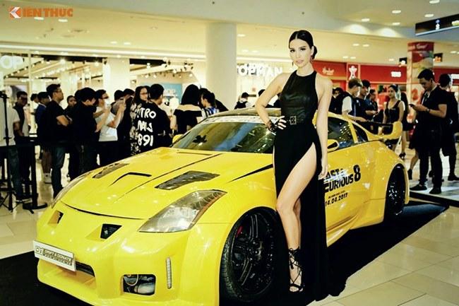 Loạt người đẹp làng giải trí Việt gợi cảm bên siêu xe: Ai hot nhất?-5