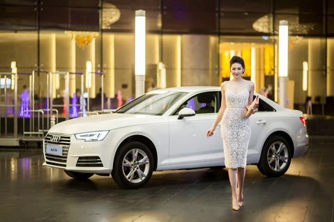 Loạt người đẹp làng giải trí Việt gợi cảm bên siêu xe: Ai hot nhất?-12
