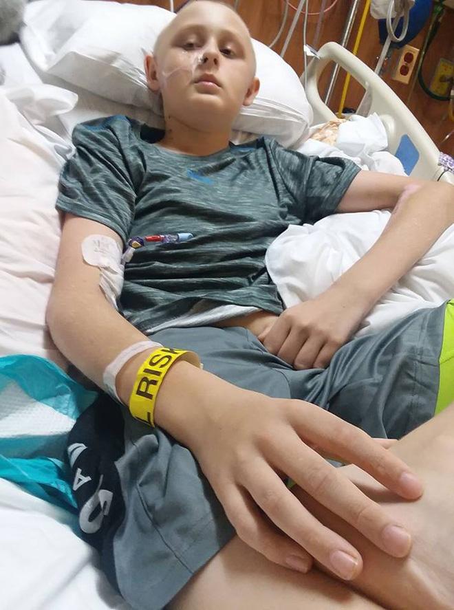Cậu bé 13 tuổi chết não, không thể qua khỏi bỗng tỉnh dậy sau khi bố mẹ ký vào tờ giấy này-4
